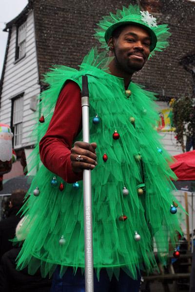 Stilwalking Christmas Tree Man