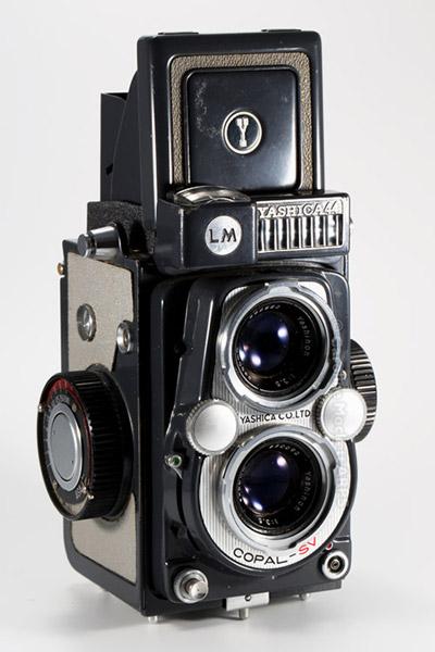 Yashica - 44LM