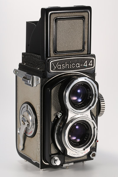Yashica - 44 Black
