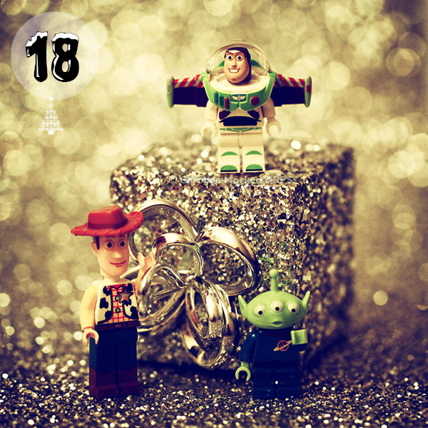 A Present From Woody, Buzz & Alien